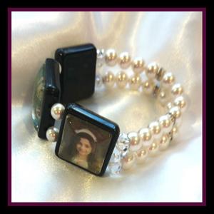 photo jewellery white